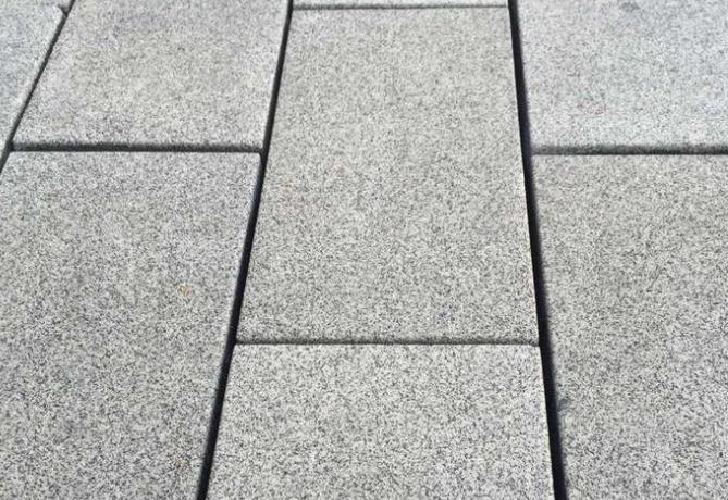陶瓷透水砖五大特点_陶瓷透水砖施工注意事项